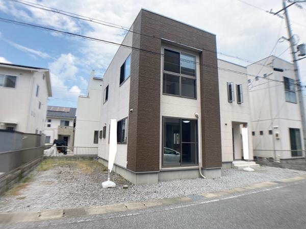 「外観」築浅のオール電化住宅